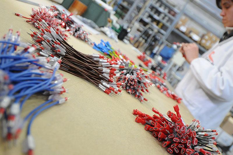 Schemi Cablaggio Quadri Elettrici : Saet srlesecuzione di schede custom per automazione